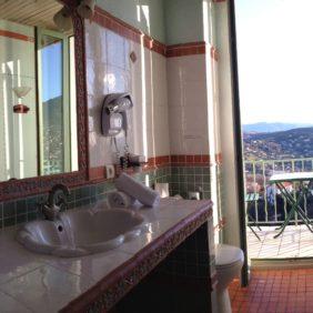 salle de bains sur vue