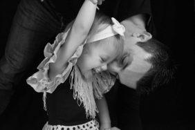 Photographe enfants, familles, couples en studio et extérieur dans le 06