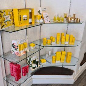Produits cosmétiques à la vente Decléor