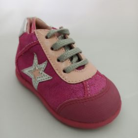 Chaussures de marque enfant